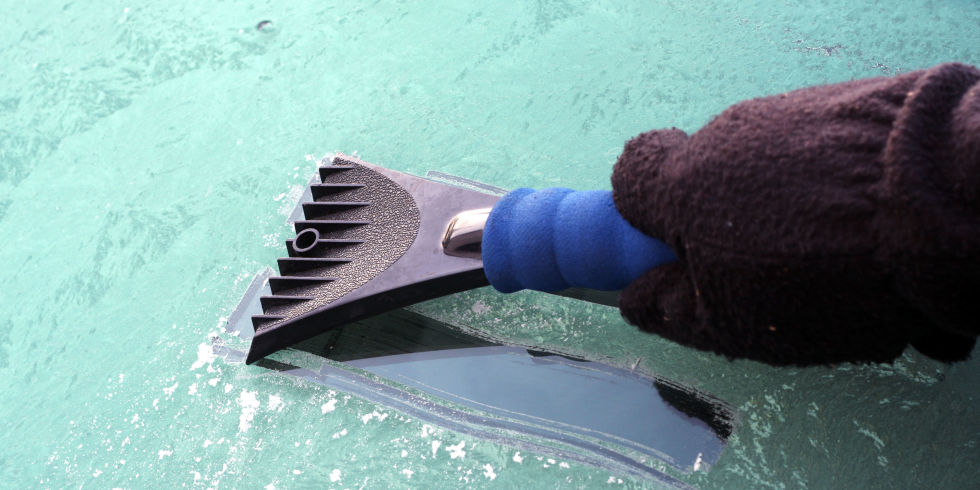 5 hacks to deal with snow and ice on your car